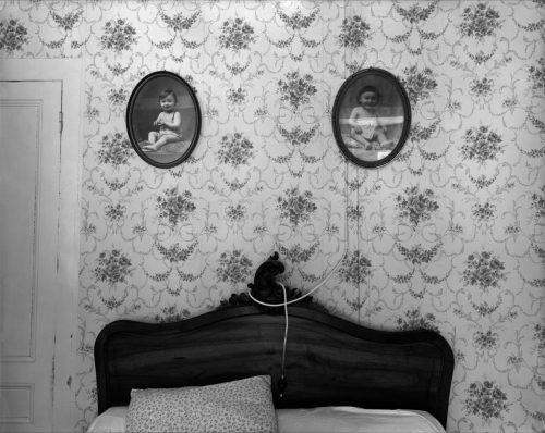 Ferme du Garet, la chambre des parents, 1984 / © Raymond Depardon / Magnum Photos
